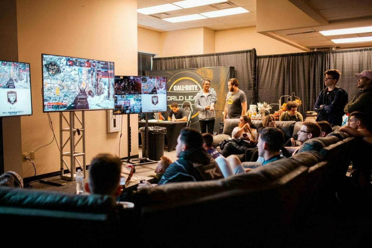 gamers gather to watch call of duty esports tournament